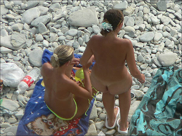 beach voyeur photos with lesbian 3